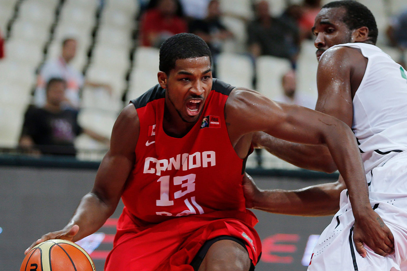 Basketball: France, Canada start with wins
