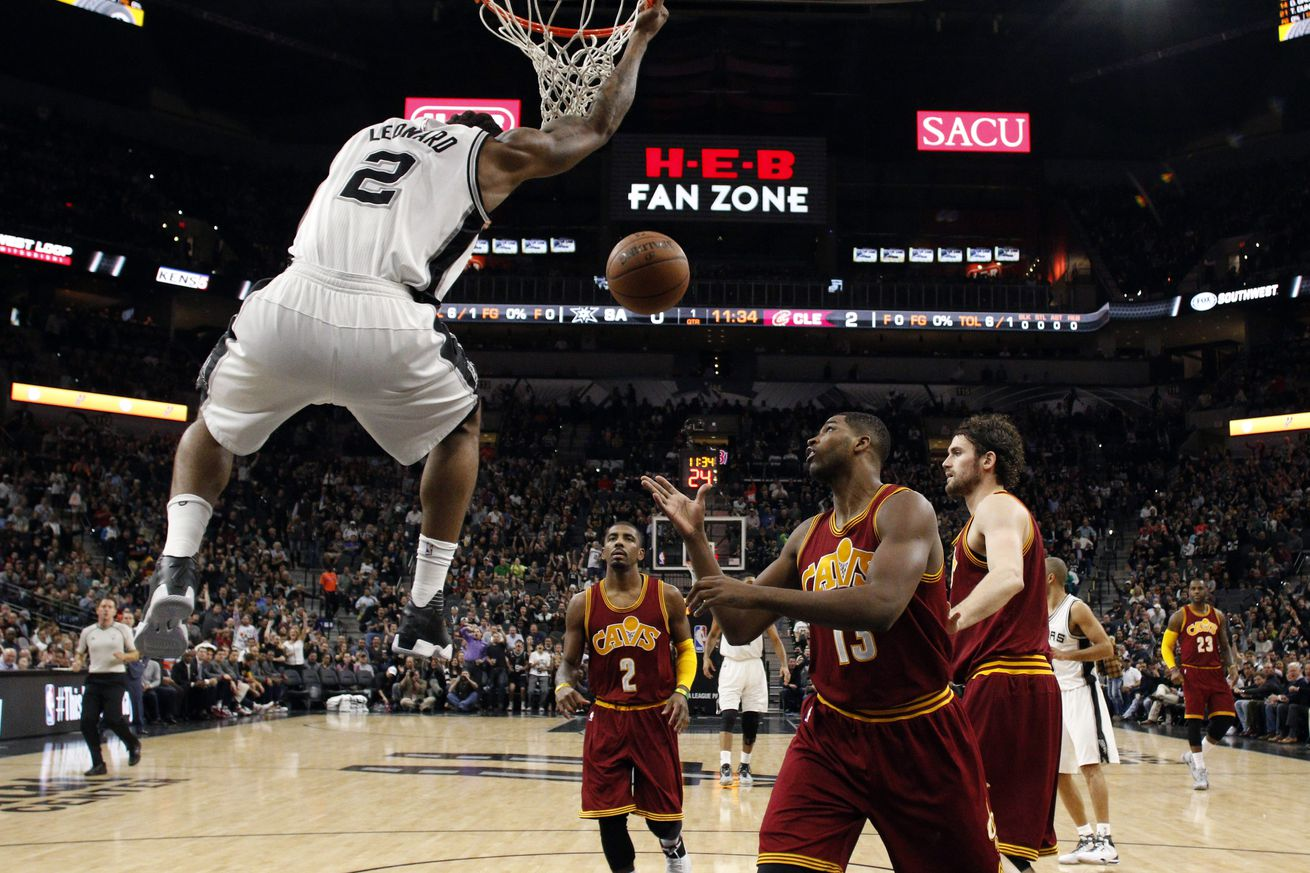 Spurs clip Cavaliers, remain flawless at home