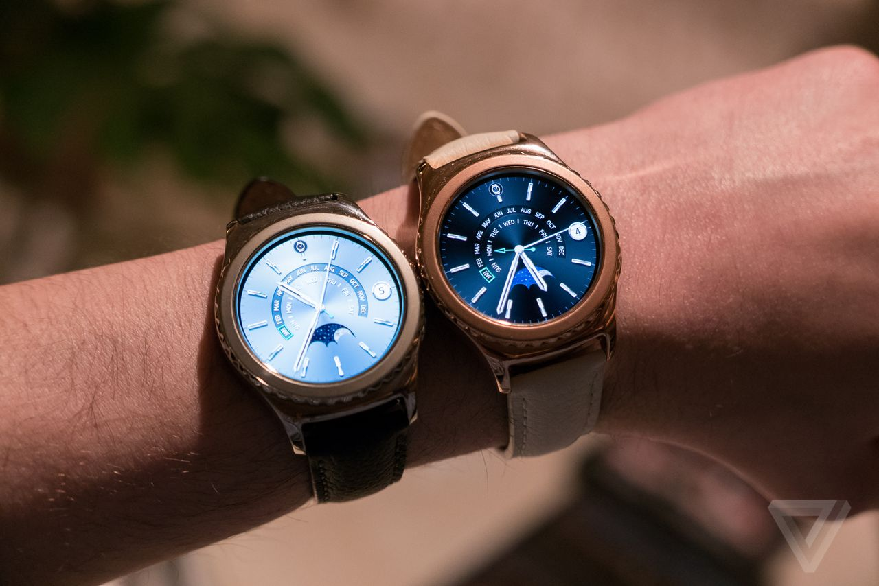 Gear S2 Black Friday : samsung 39 s rose gold and platinum gear s2 watches are available tomorrow for 450 the verge ~ Hamham.info Haus und Dekorationen