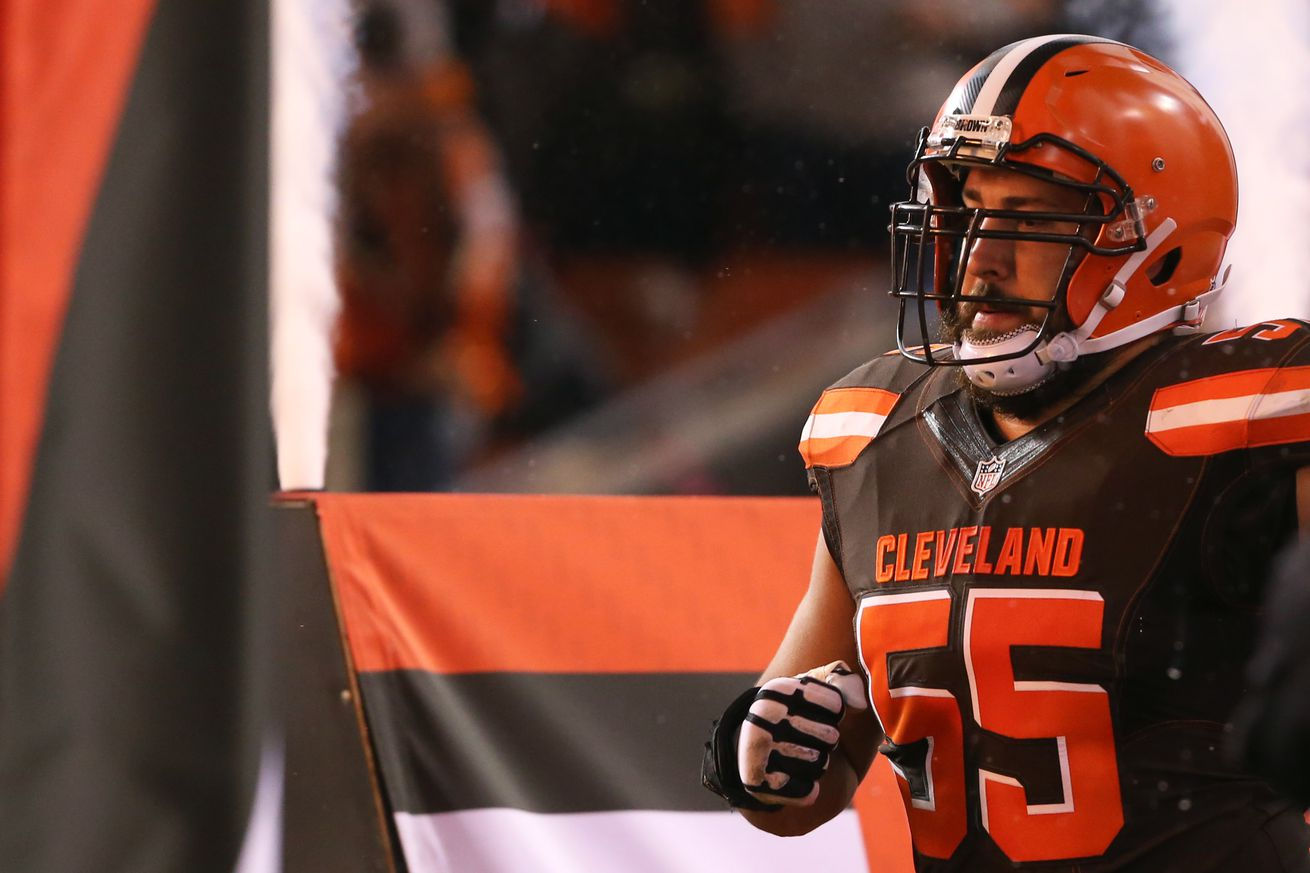 NFL Jerseys Online - 2016 NFL free agency: Alex Mack to opt out of contract with Browns ...