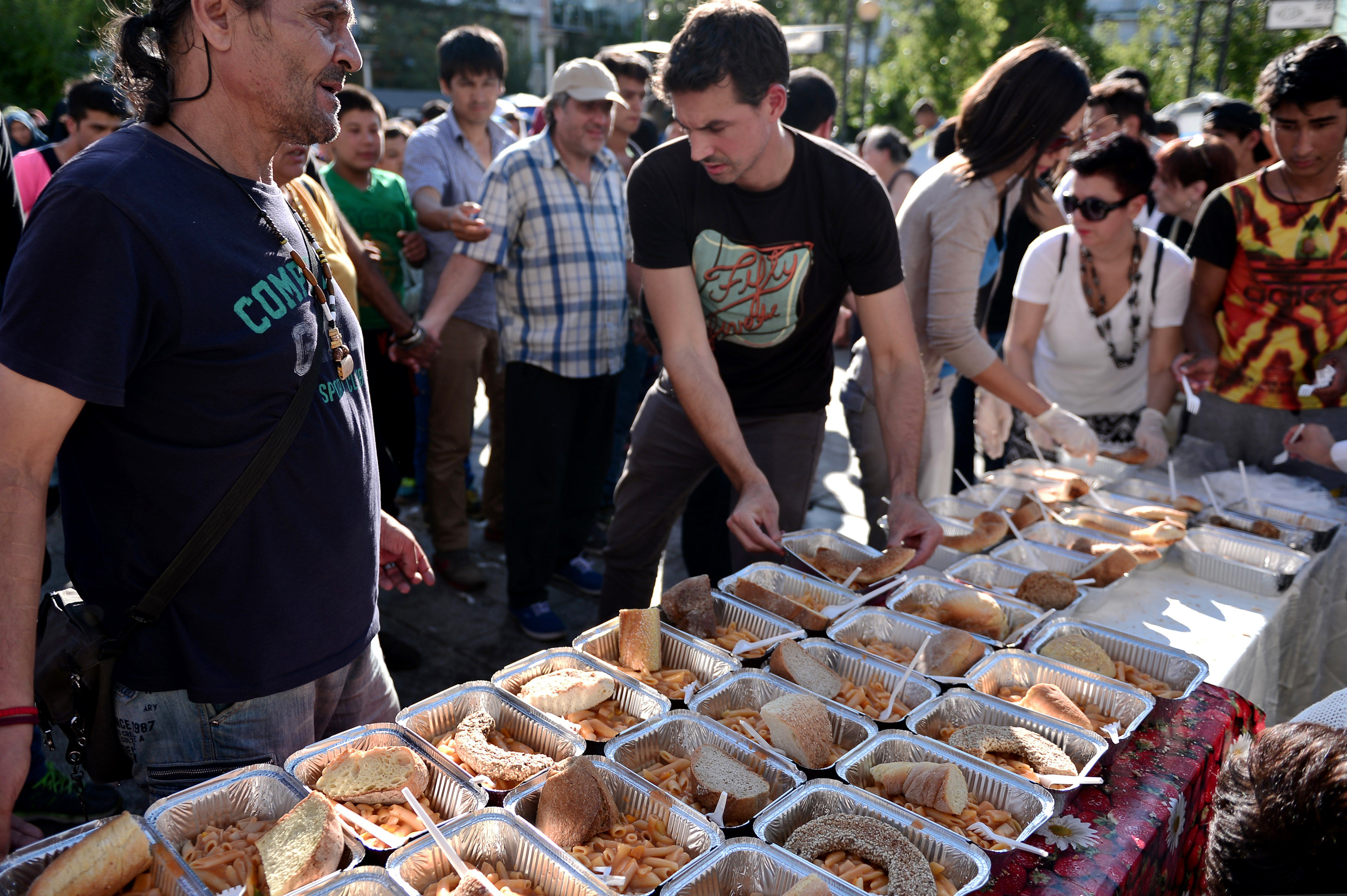 How Volunteers Are Feeding Refugees In Greece One