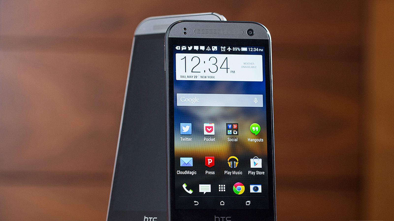 htc one mini 2 review average by design the verge. Black Bedroom Furniture Sets. Home Design Ideas