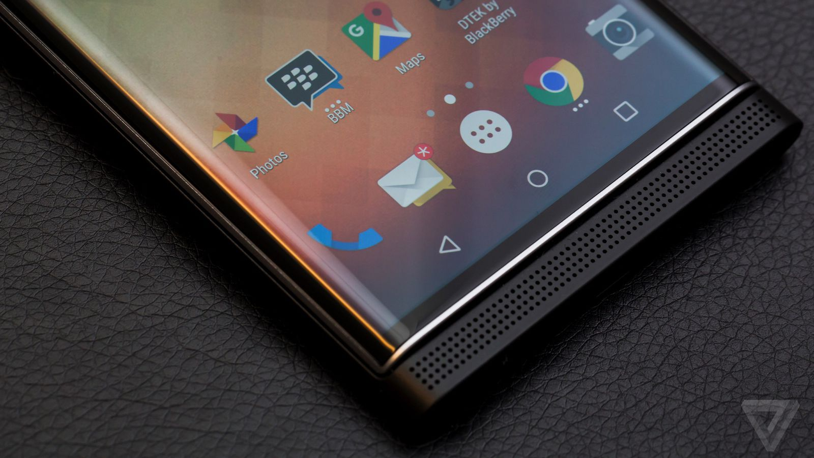 BlackBerry makes its awesome Hub available to download on ...
