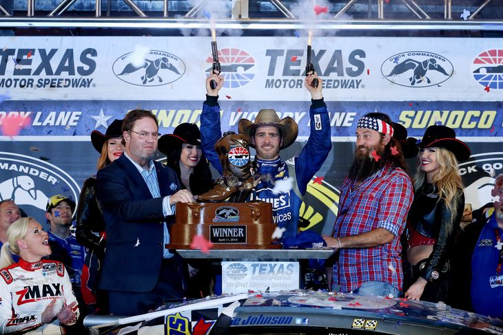 Jimmie johnson wins the 2015 duck commander 500 at texas for Texas motor speedway 2015 schedule
