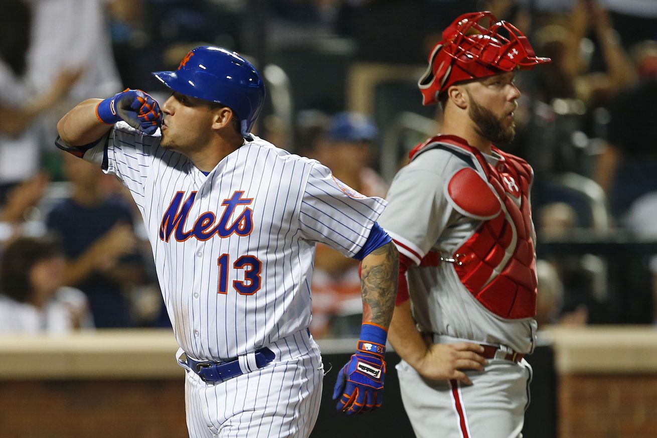 Mets Bats Power Ball over Phillies
