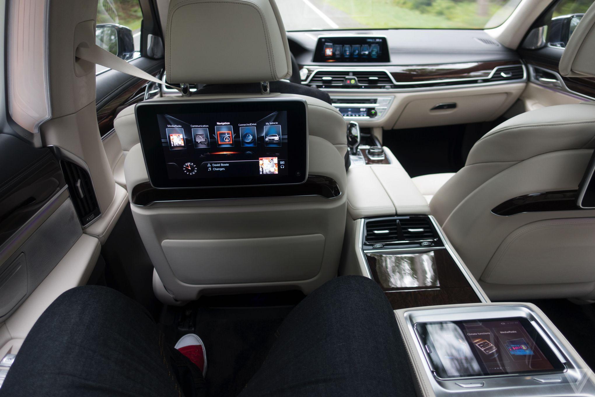 BMW 7 - svetapple.sk