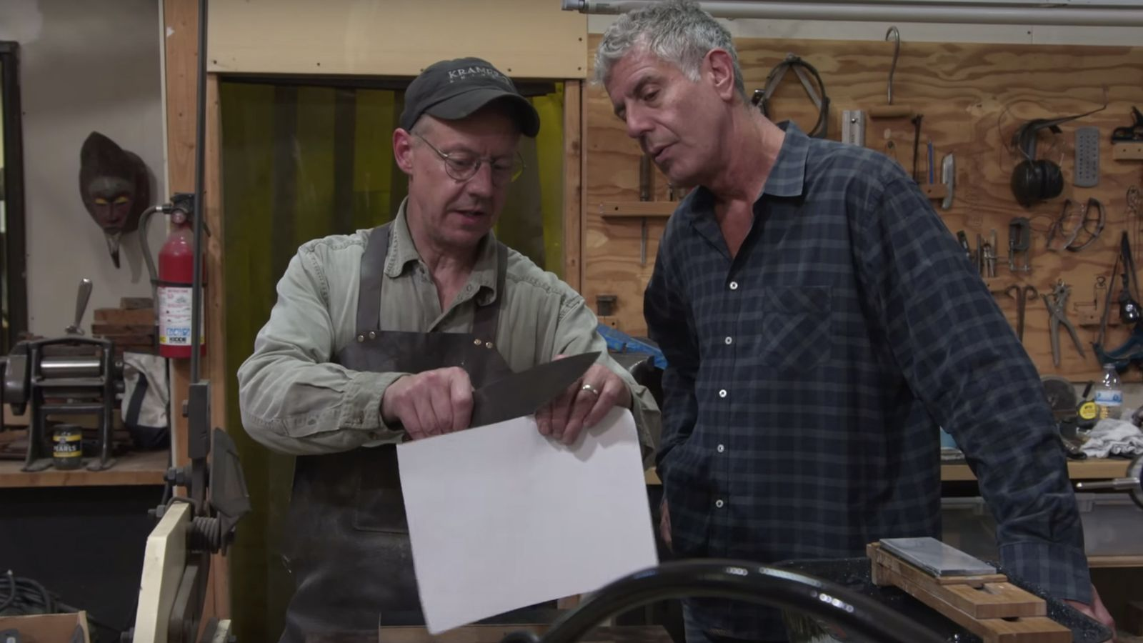 watch anthony bourdain forge a knife out of meteorites eater. Black Bedroom Furniture Sets. Home Design Ideas