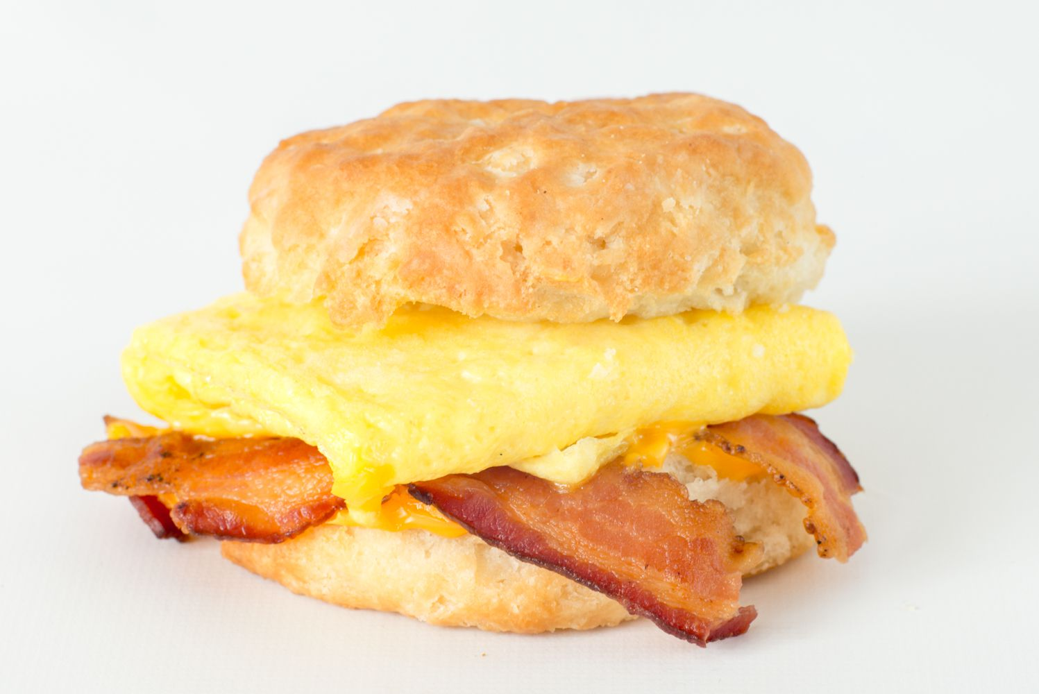 mcdonalds egg and cheese biscuit calories