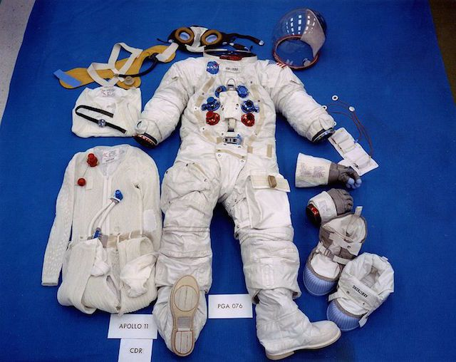 neil armstrong full suite -#main