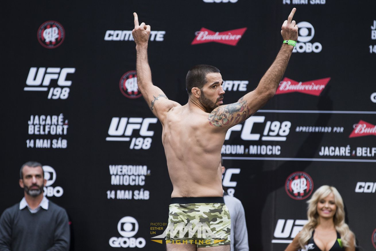 Matt Brown gives fans double middle fingers at UFC 198 weigh ins