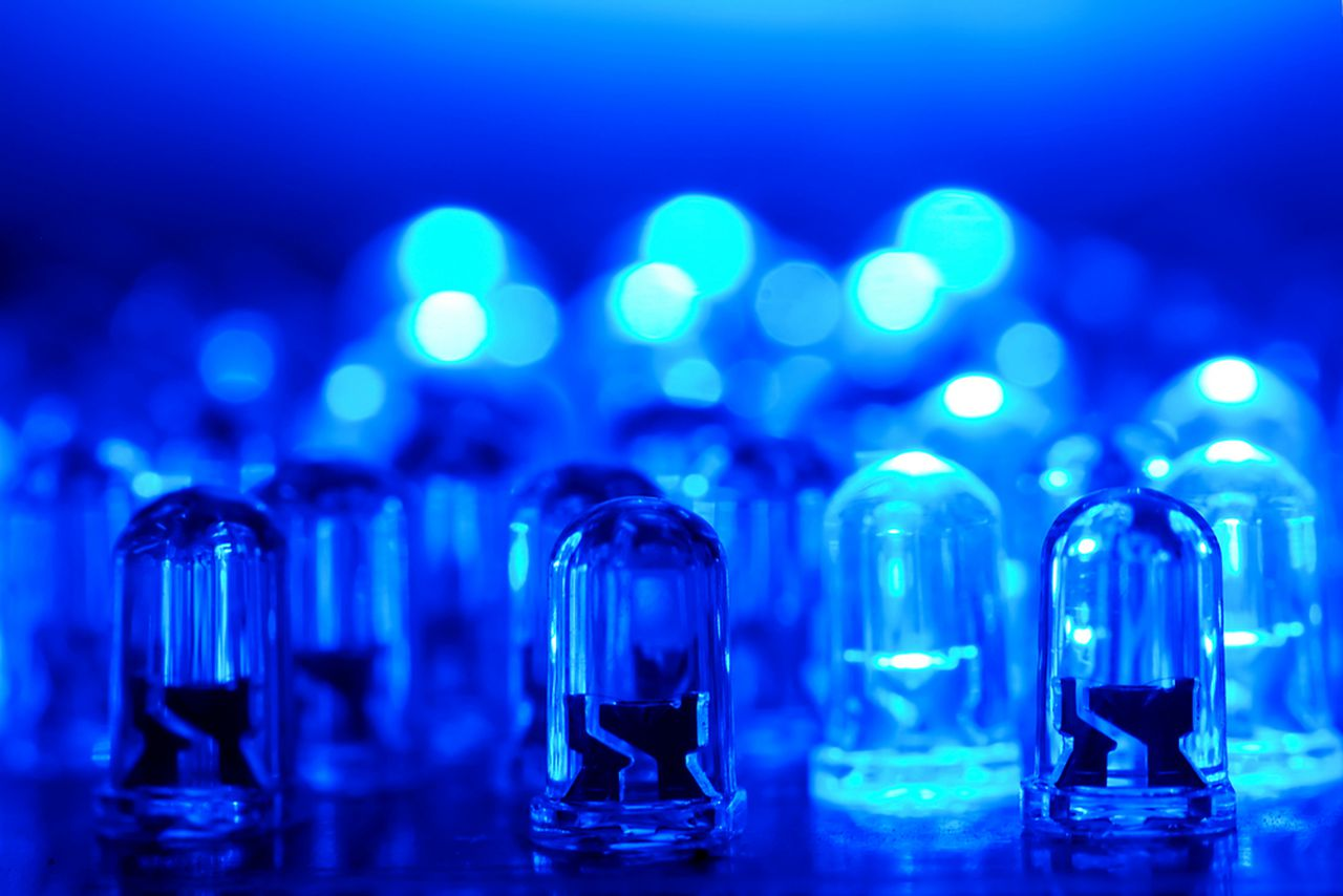 Inventors of blue LEDs win 2014 Nobel Prize for physics ...