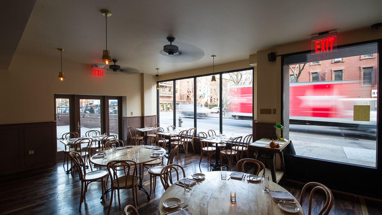Sutton Cafe New York Ny