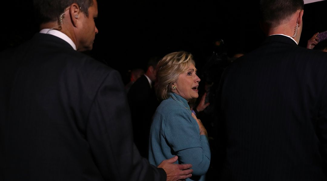 vox.com - Matthew Yglesias - The AP's big exposé on Hillary meeting with Clinton Foundation donors is a mess