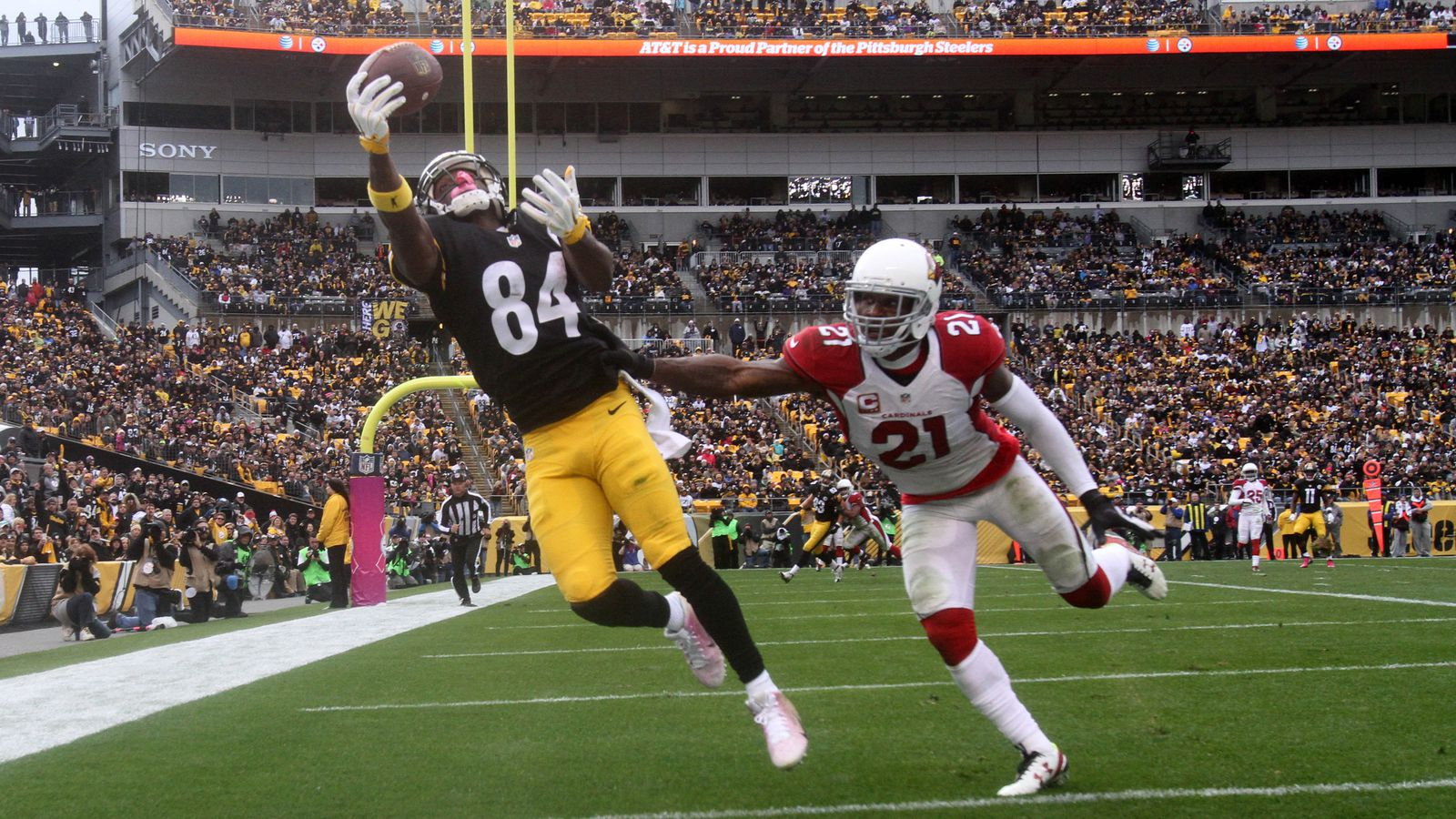 Steelers Wr Antonio Brown Sets New Guinness World Record