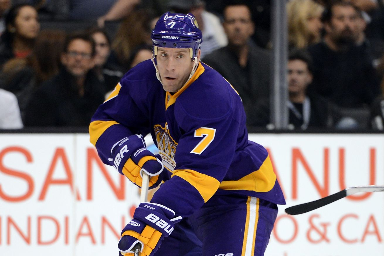 LA Kings reacquire Rob Scuderi from Chicago for Ehrhoff