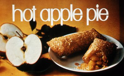 The First Mcdonald S Apple Pie Was Deep Fried And Served Hot In A Cardboard Sleeve Since Then Mcdonald S Has Released More Than 40 Variants Of Its Apple