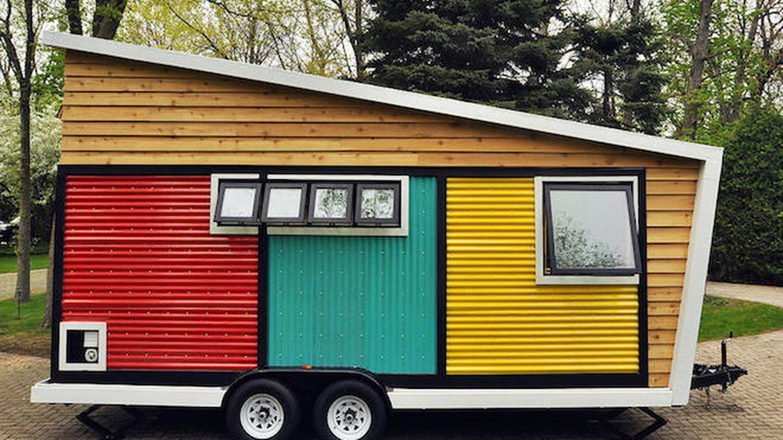 This color blocked tiny home is gorgeous and eco friendly for Gorgeous small homes