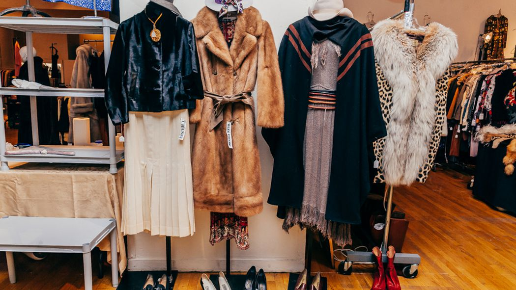 how to remove that thrift store smell and other vintage