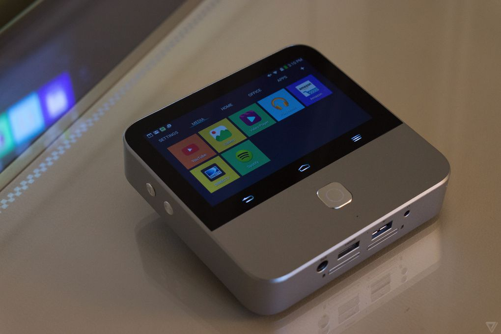 Zte 39 s new mini projector is a mobile hotspot that lets you for A small projector