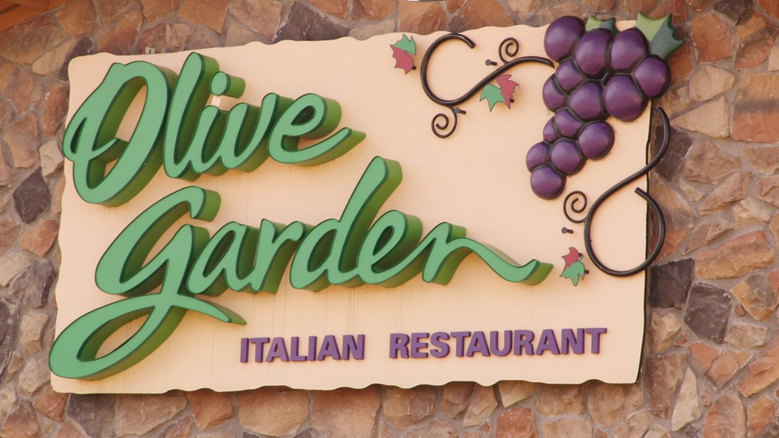 Olive Garden Ceo To Walk Away With Millions After Stepping