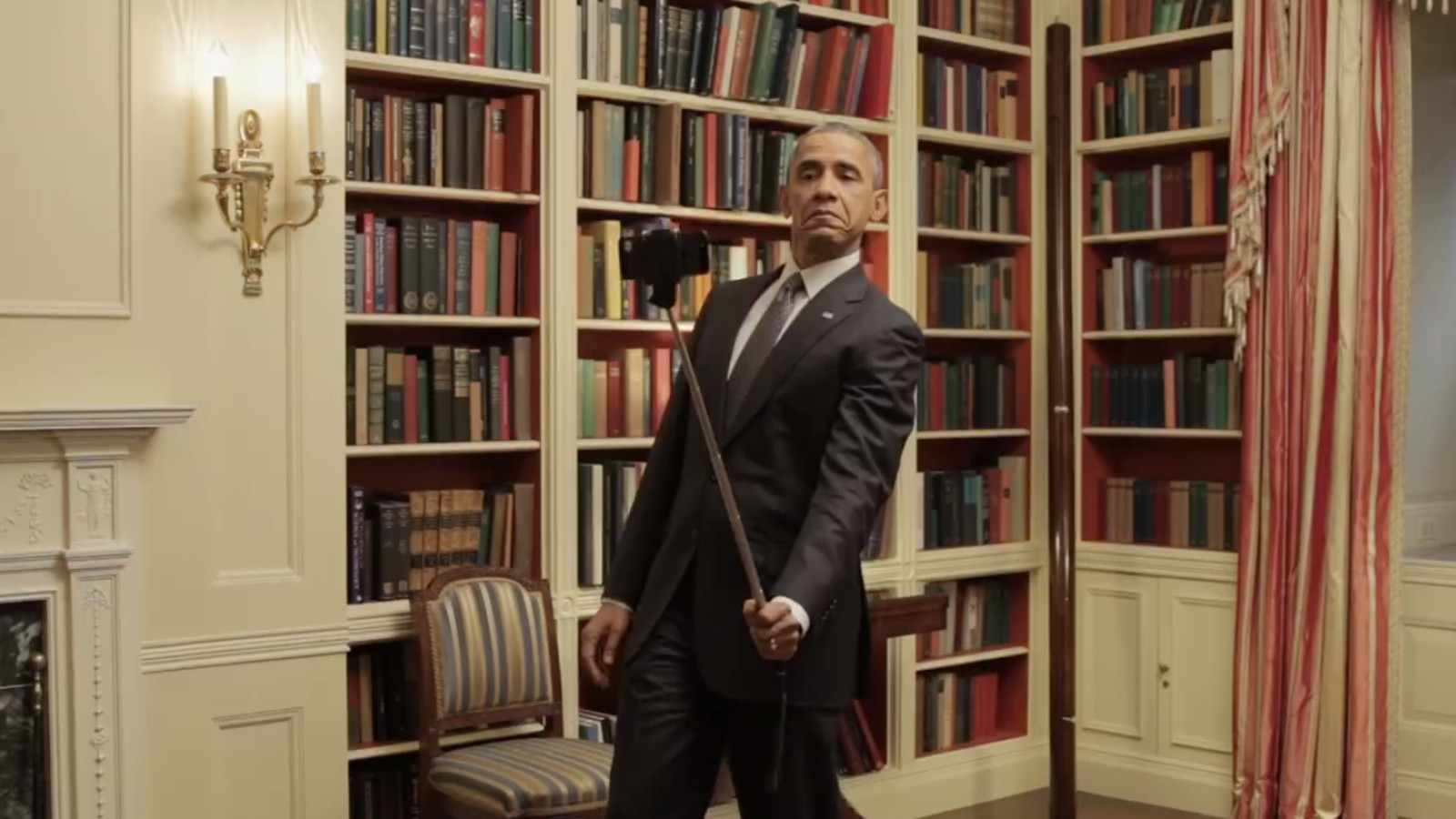 Here S A Video Of Obama Using A Selfie Stick The Verge