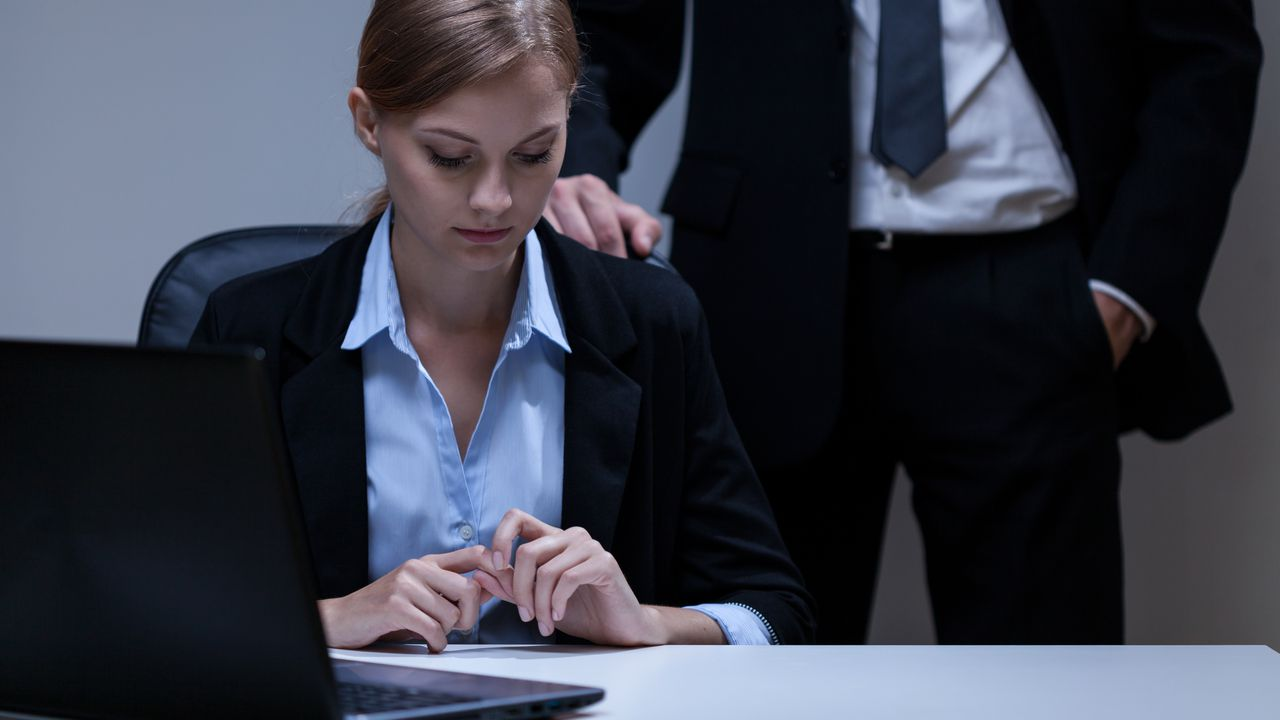 the problem of sexual harassment in a workplace A new survey finds 81 percent of women have experienced sexual harassment : a new survey offers the first set of nationwide data on prevalence, showing that the problem is pervasive and women are most 38 percent of women said they experienced sexual harassment at the workplace.