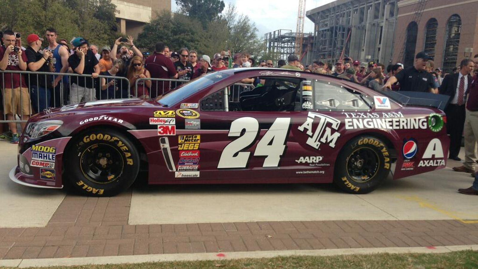 Video jeff gordon drives his texas a m 24 car on campus for Texas motor speedway college station