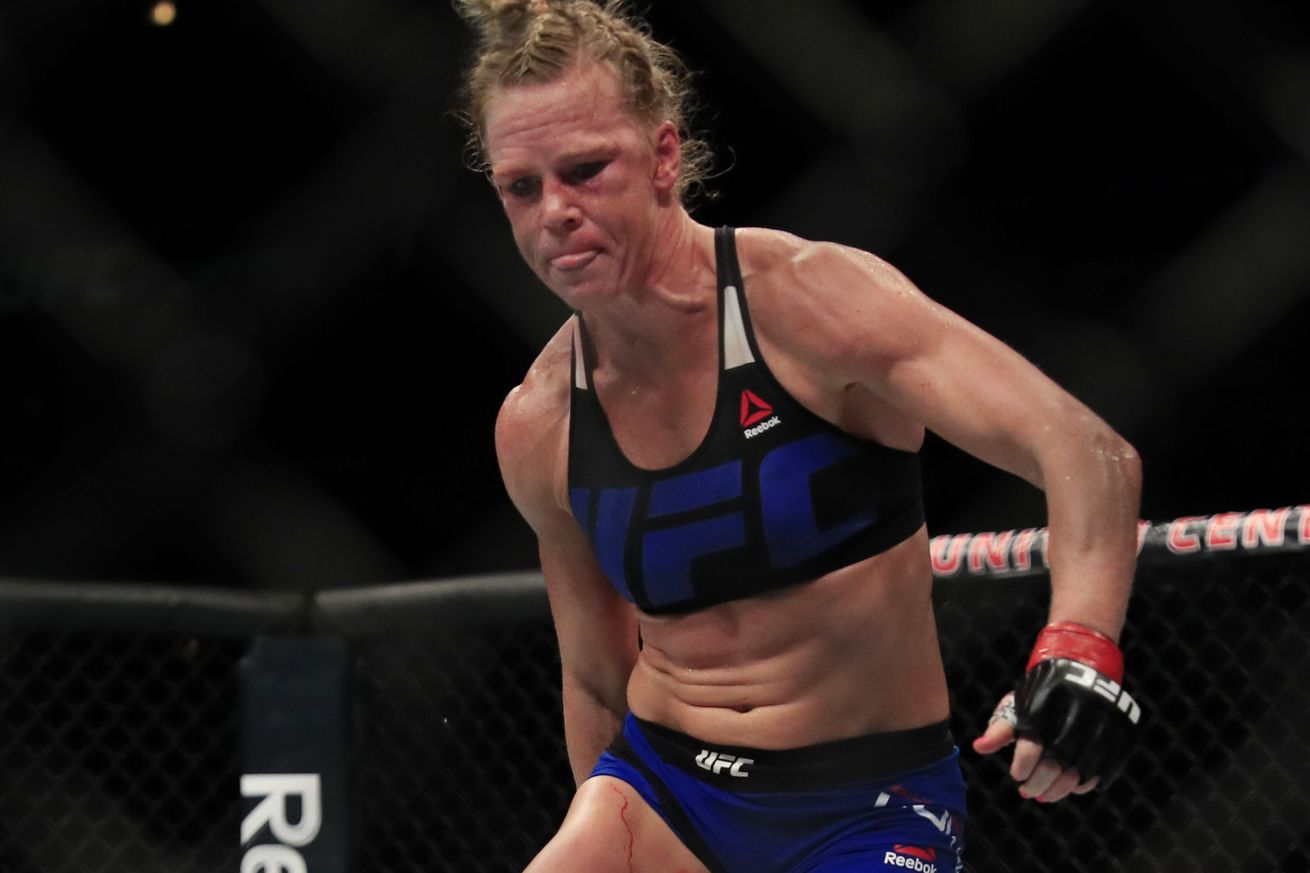 Holly Holm undergoes surgery for shattered thumb following loss at UFC on FOX 20