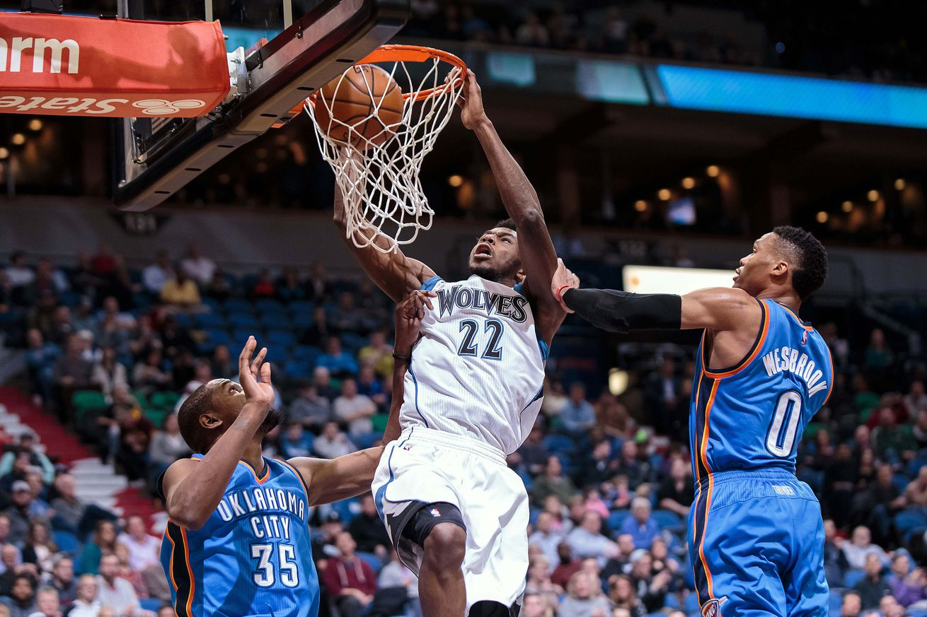 Pistons' Drummond earns spot in dunk contest
