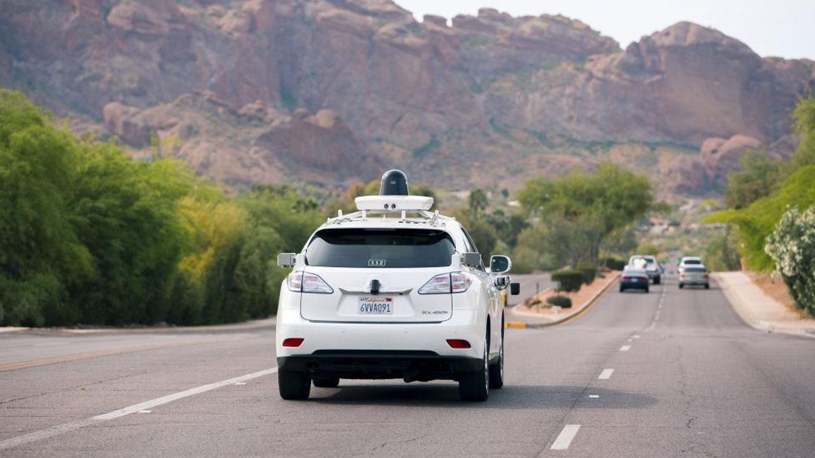 Voices clash at first public hearing on self-driving cars