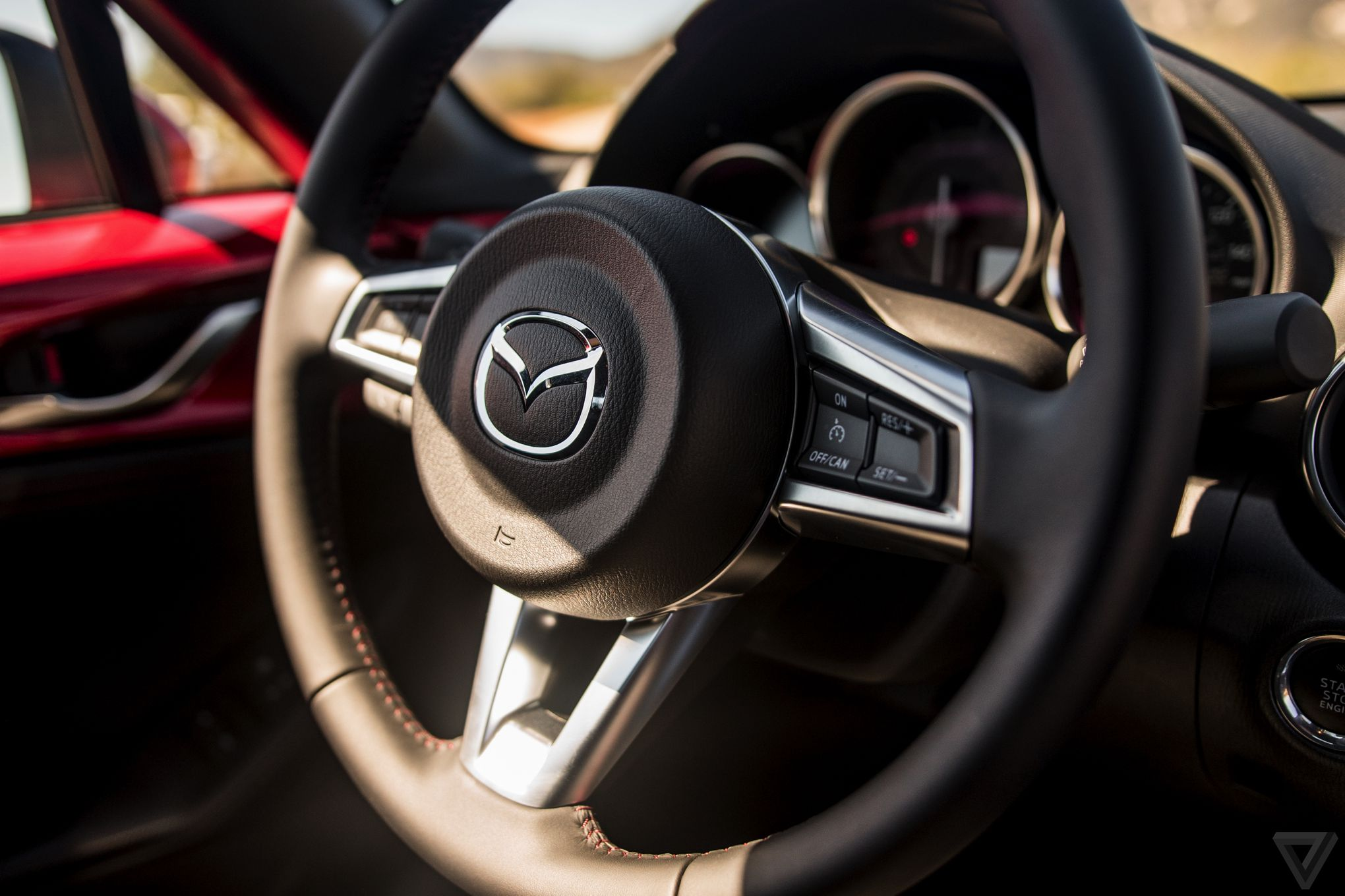 MX-5 Steering wheel w watermark