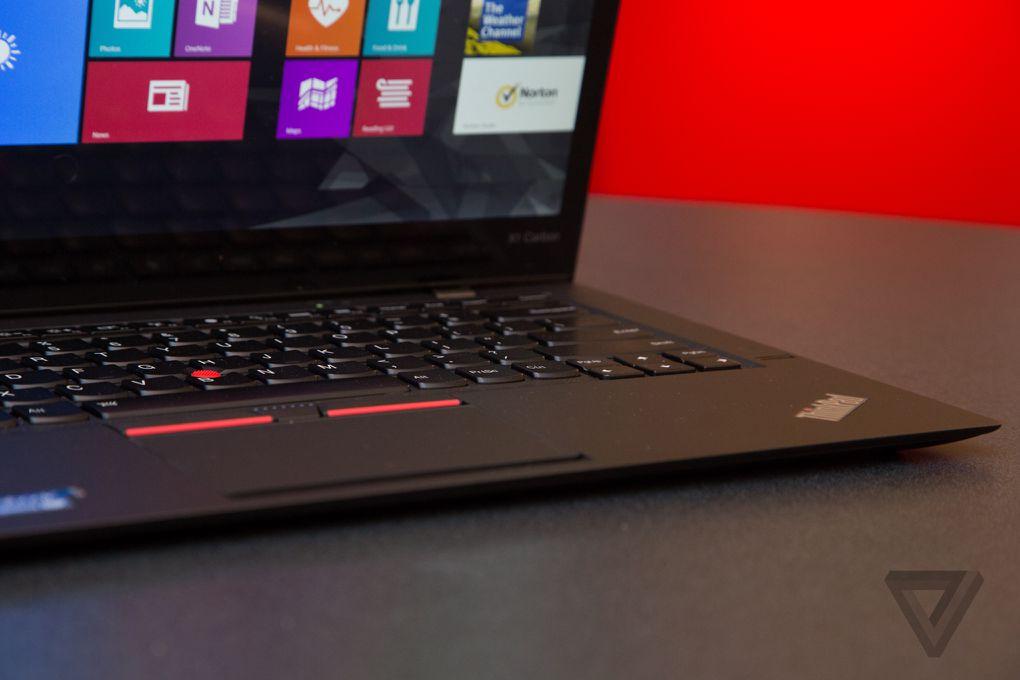 ces-2015-lenovo-thinkpad-x1-carbon-laptops-0043.0