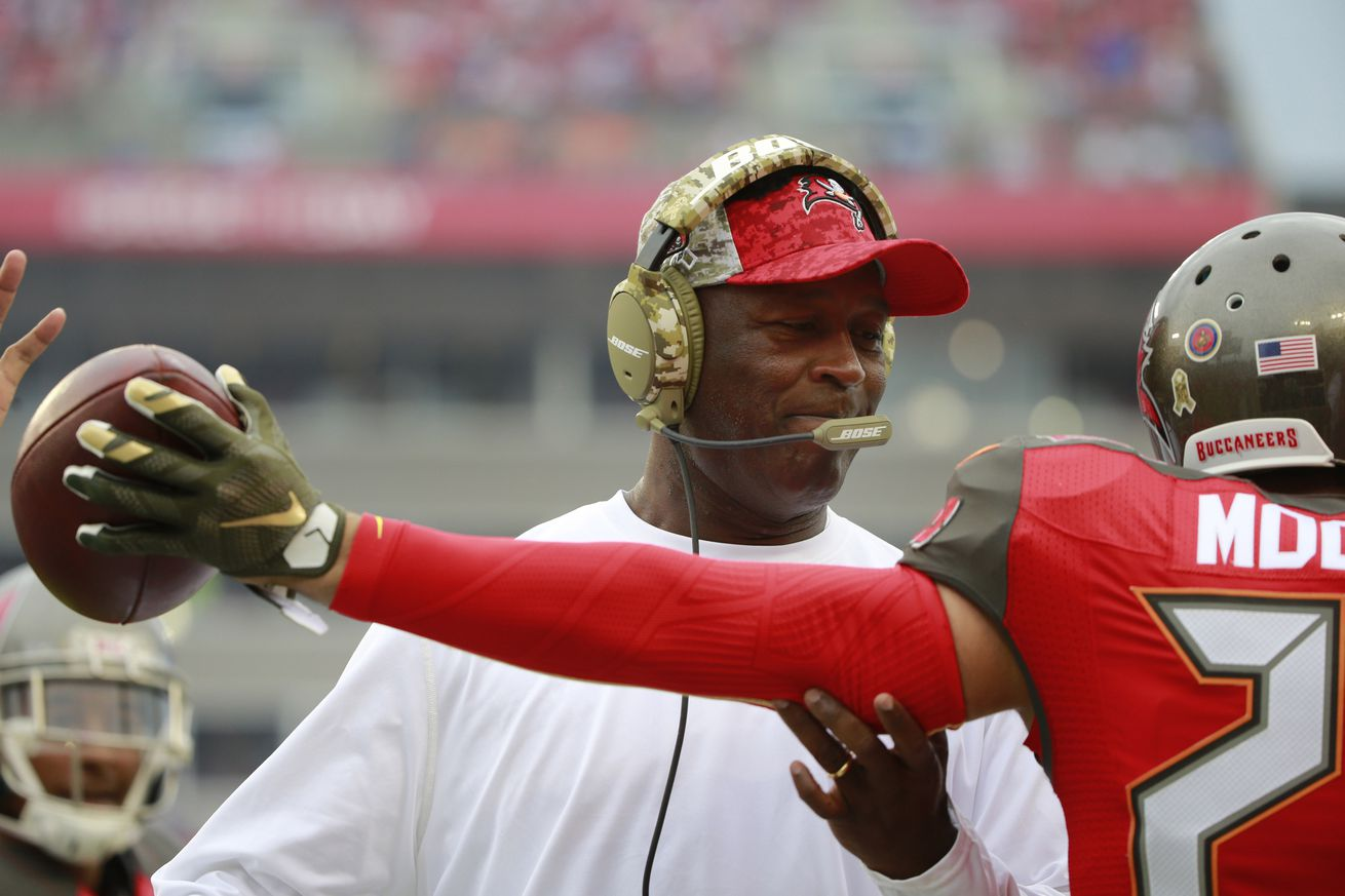 NFL Jerseys Outlet - The Bucs have drastically simplified their defense to avoid mental ...