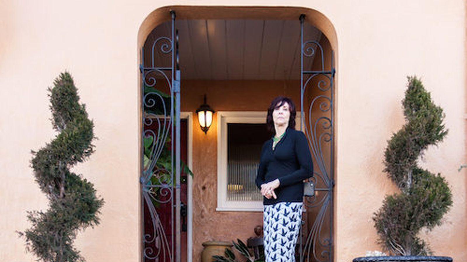 From garage to master suite reinventing a tiny row house for Garage master sf
