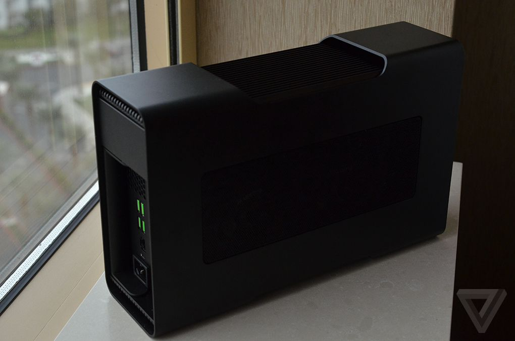CES 2016: Hands On With The Razer Blade Stealth And External GPU
