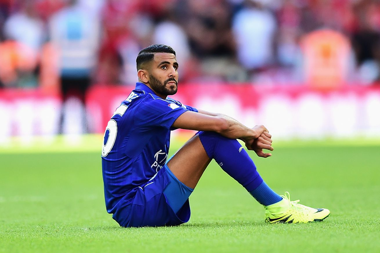 Mahrez stays a Fox as talks on new deal continue