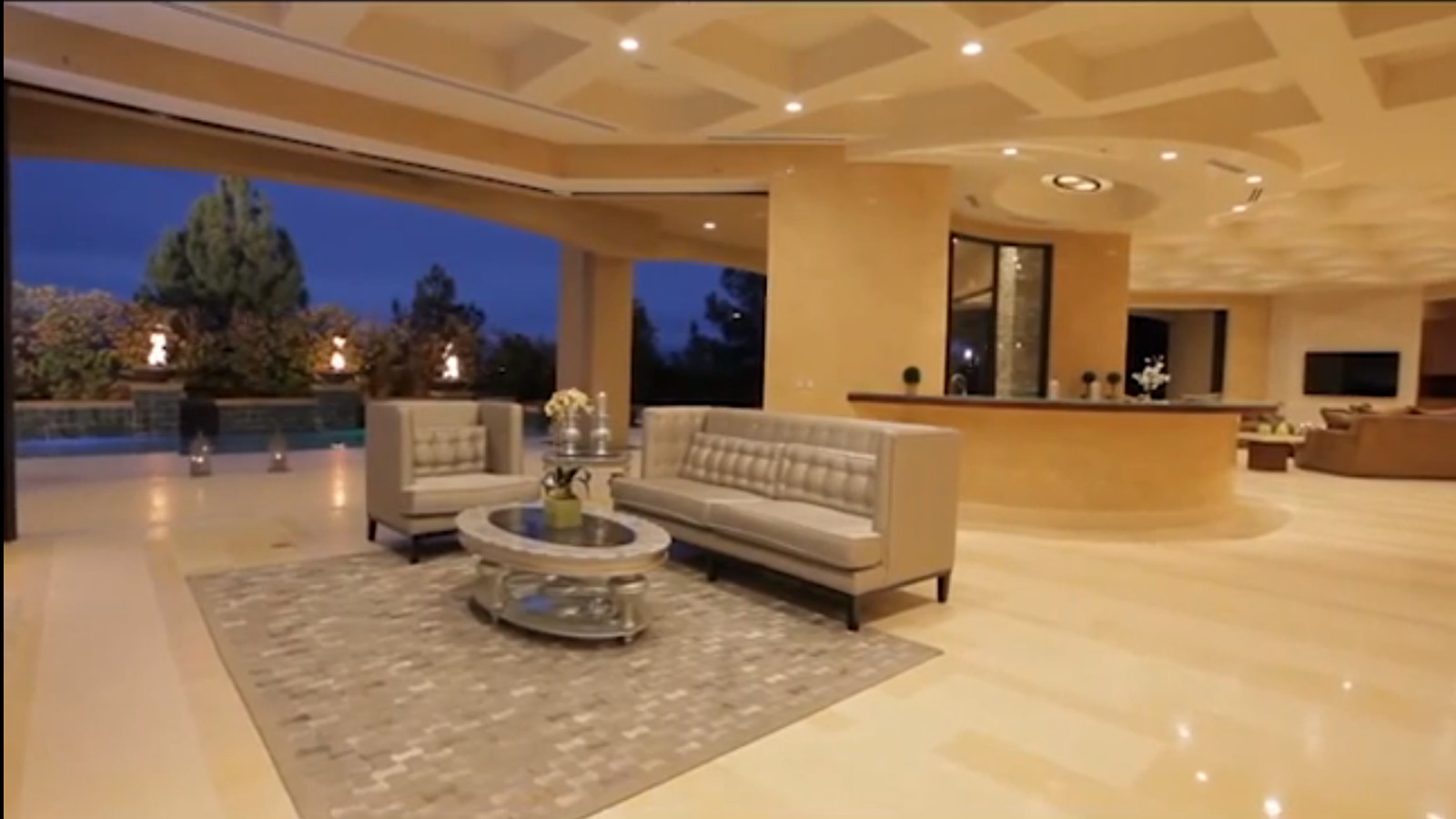 Conor McGregor Moves Into Seven Bedroom Las Vegas Mansion For UFC 189