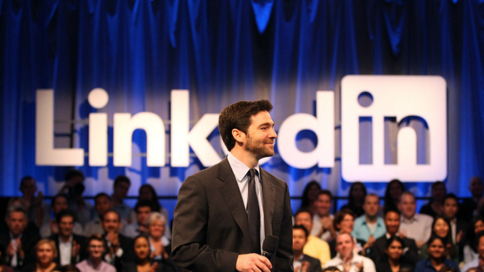 Here are three scary reasons why LinkedIn sold to Microsoft for $26B http://ift.tt/YV9WJO