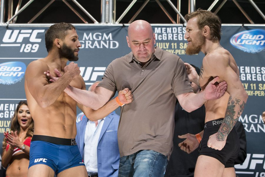 041_Chad_Mendes_and_Conor_McGregor.0.jpg