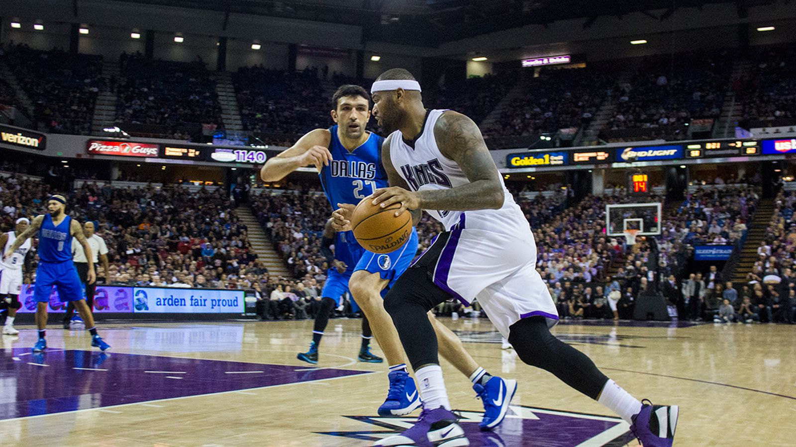 Str-11_30-demarcuscousins1-vs-mavs.0.0