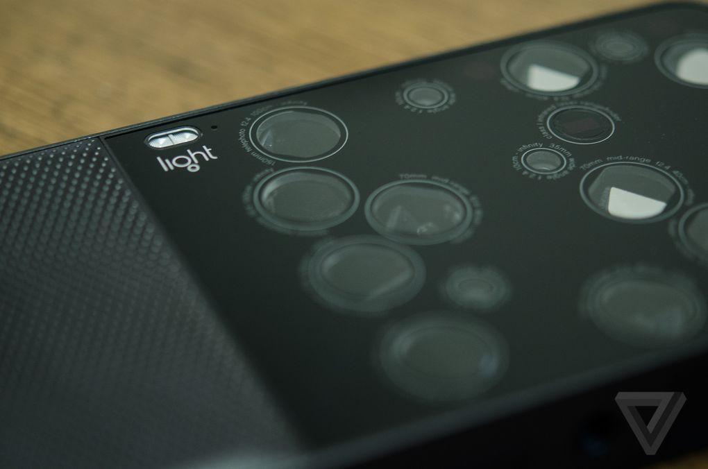 16 個鏡頭集於一身! L16 可拍 5200 萬相+4K 影片