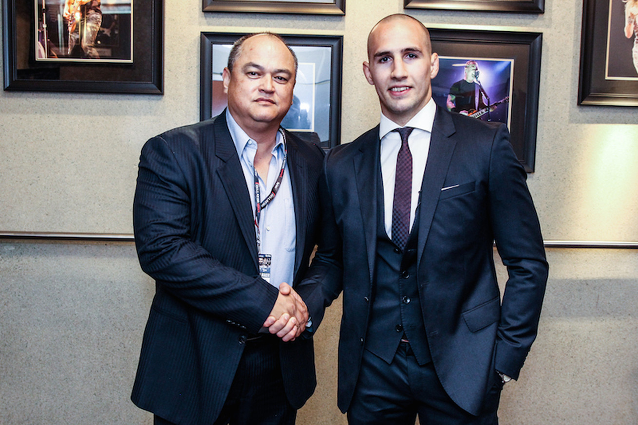 Rory MacDonald officially signs with Bellator MMA