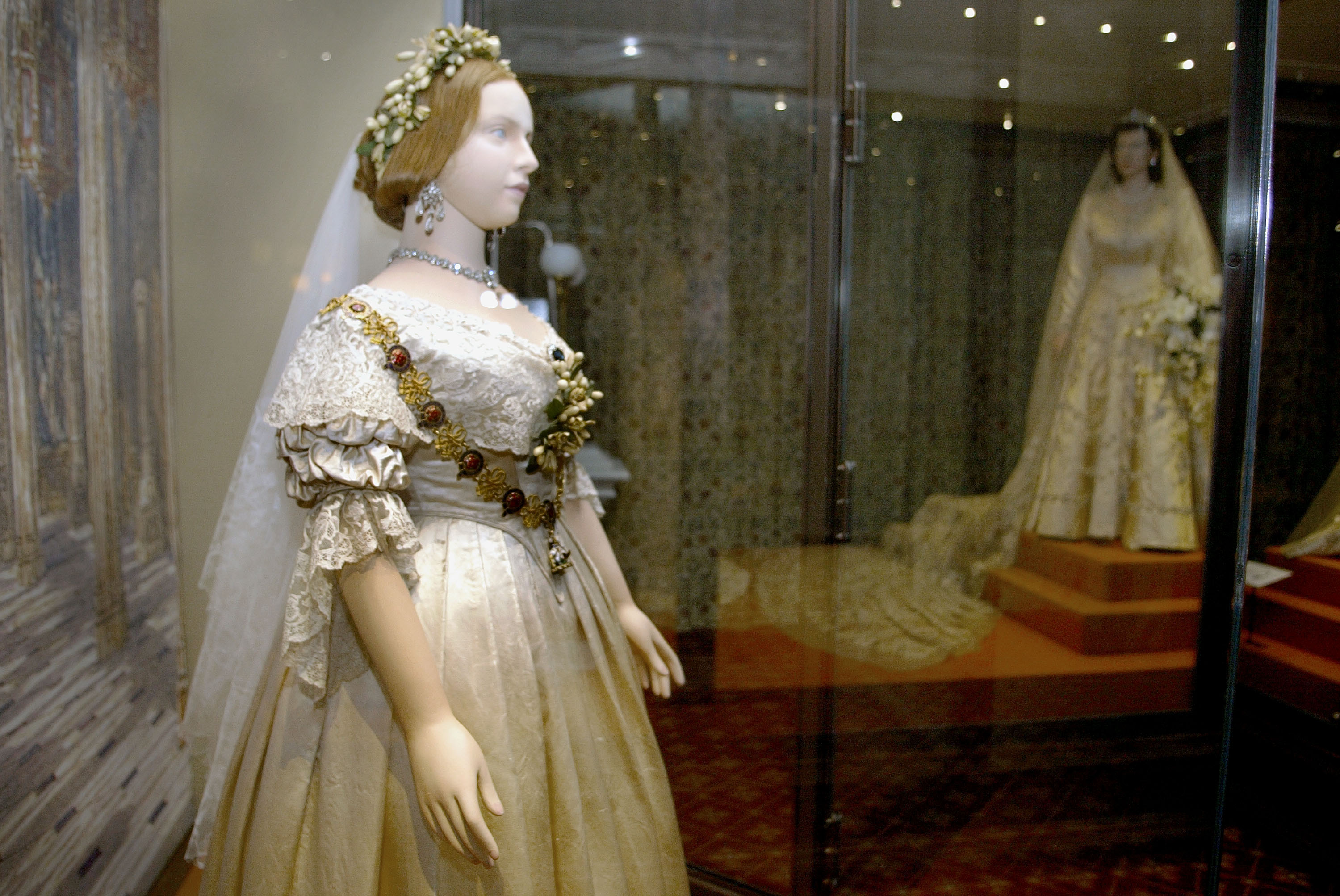 History Of White Wedding Dresses : The royal history of white wedding dress racked
