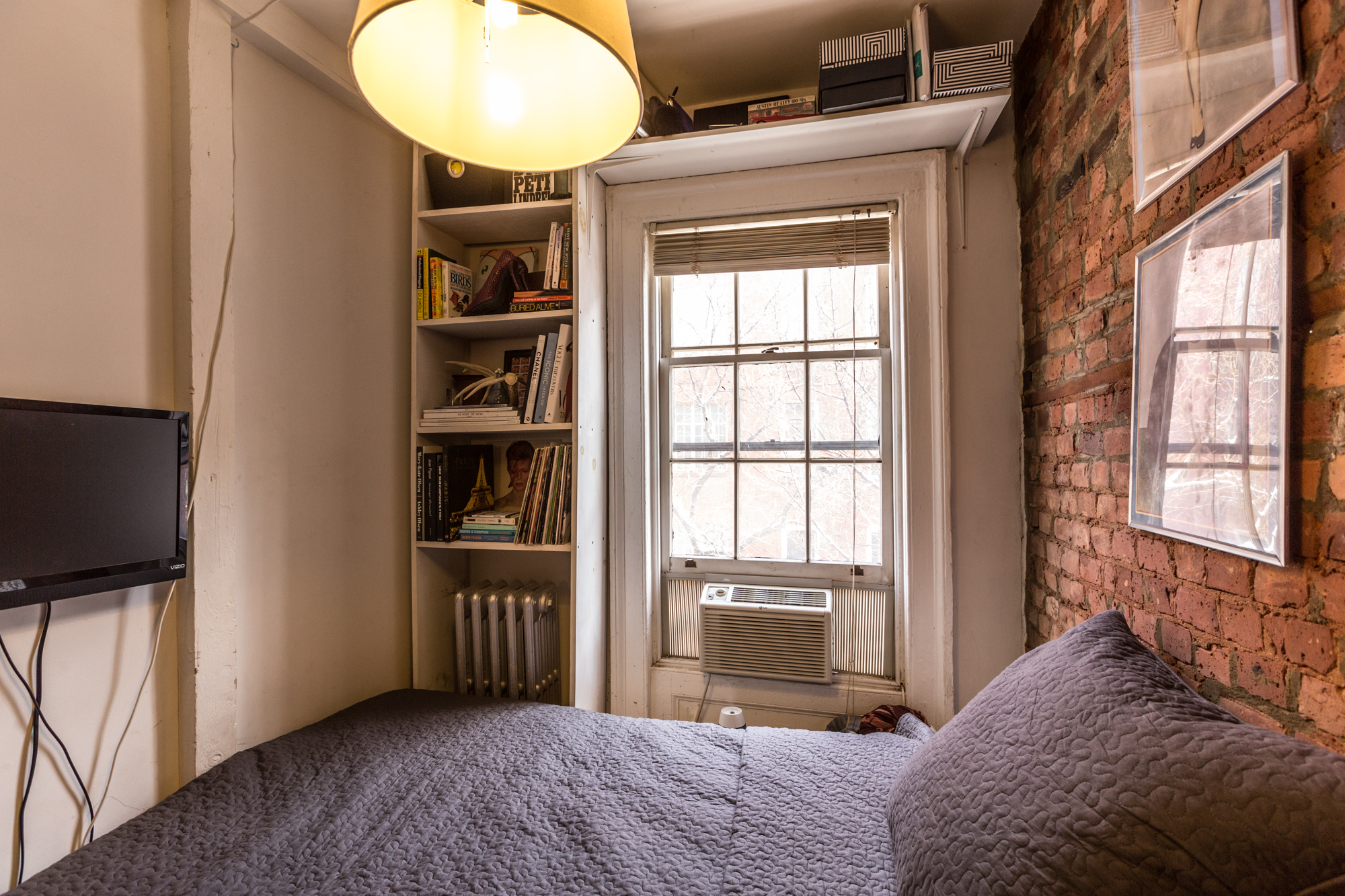 100 square feet room - How One New Yorker Lives Comfortably In 90 Square Feet How One New Yorker Lives