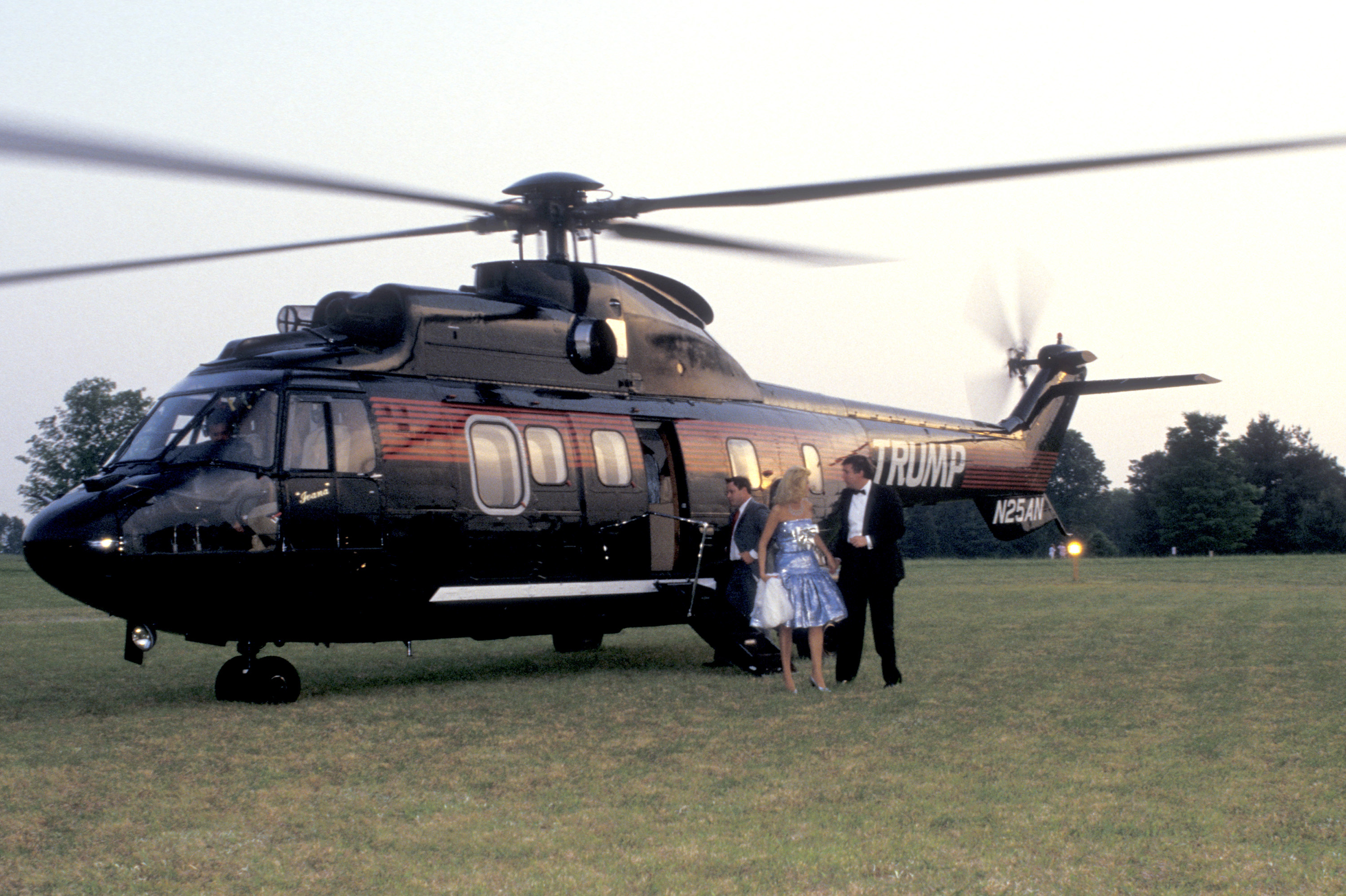 Donald and Ivana Trump, and helicopter, arrive at Forbes's 70th ...