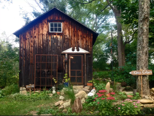 5 tiny cabins you can rent in the poconos this summer