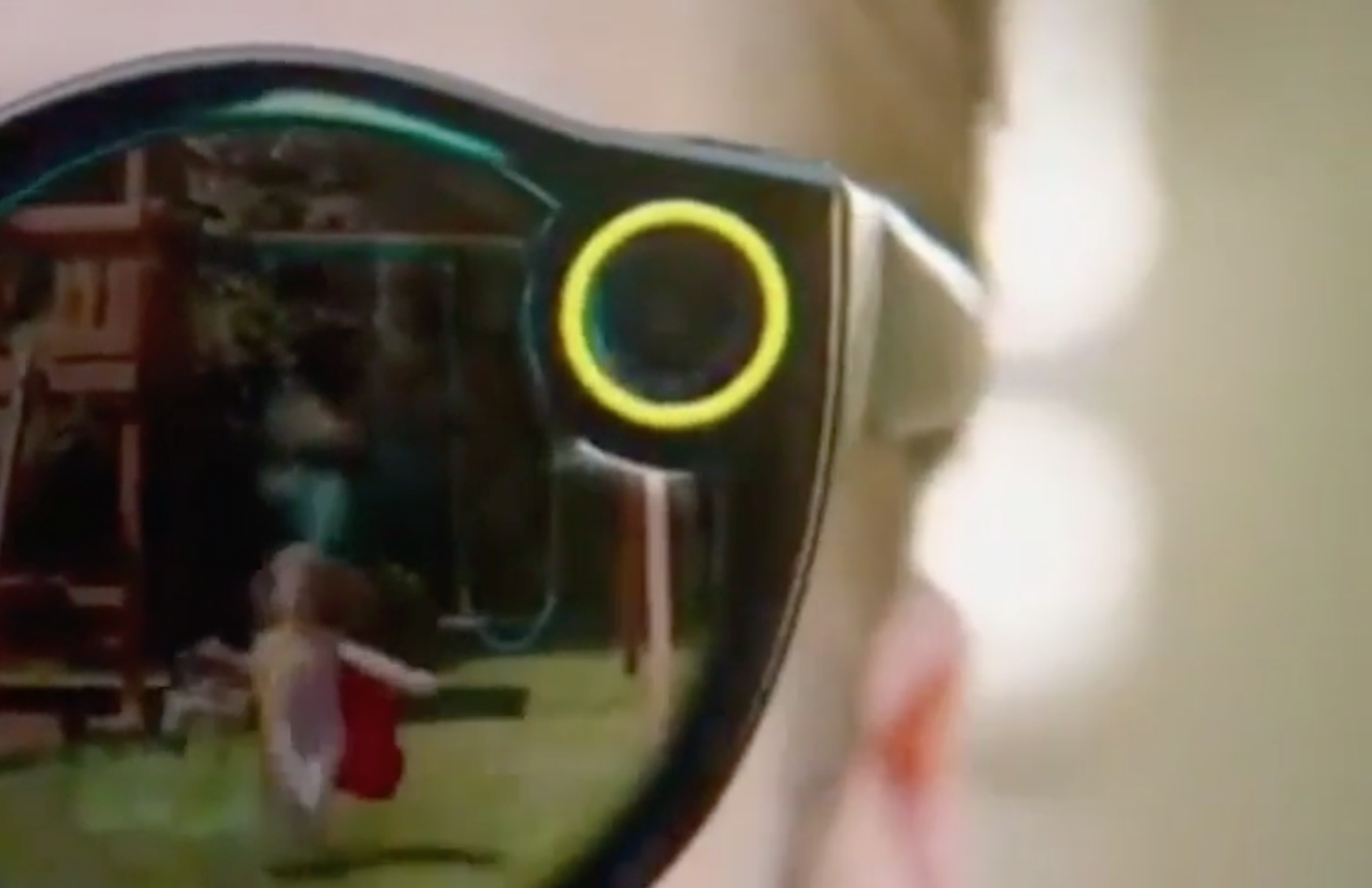 Snapchat Spectacles can record 10-second videos, will retail for $130 (USD)