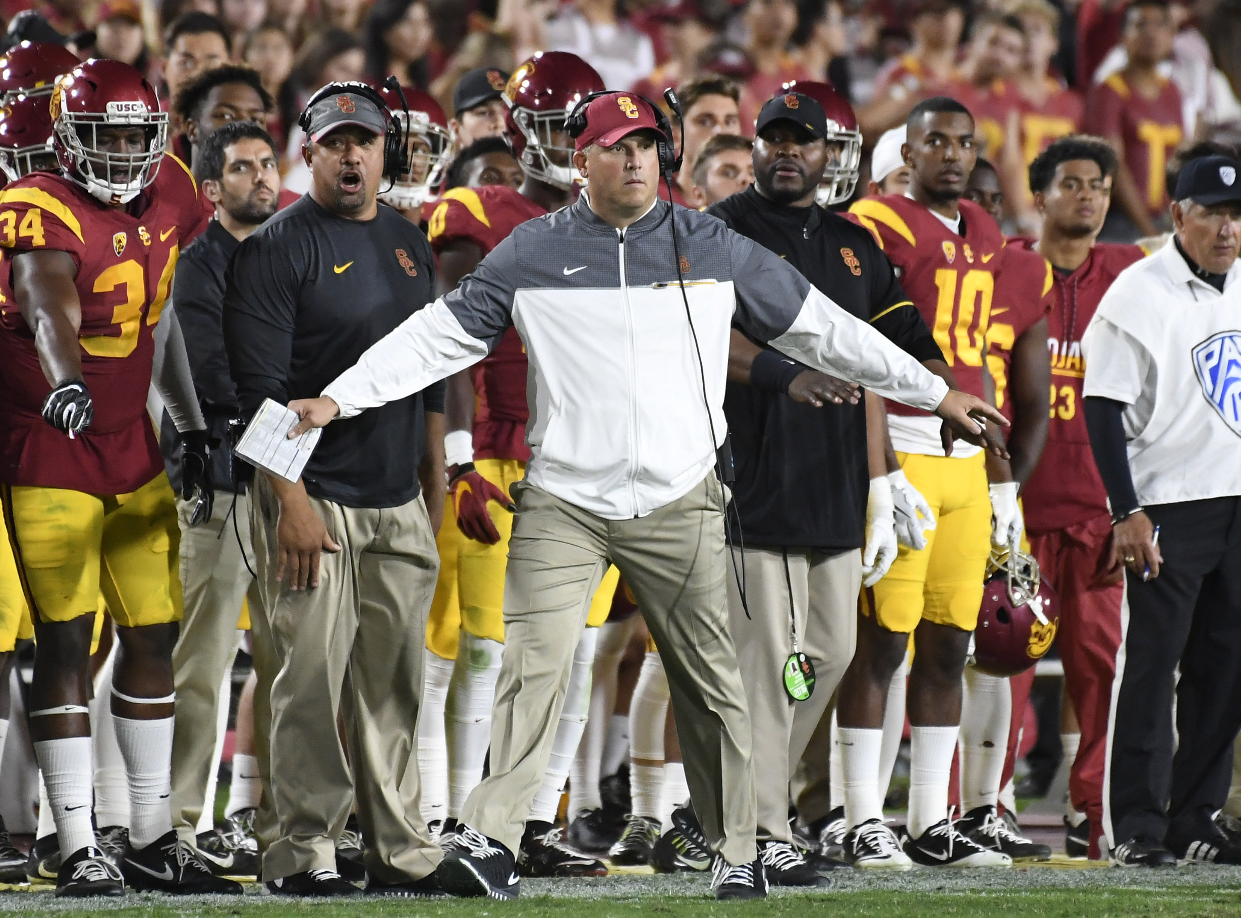 Jones, Darnold power USC to 45-20 win over Oregon