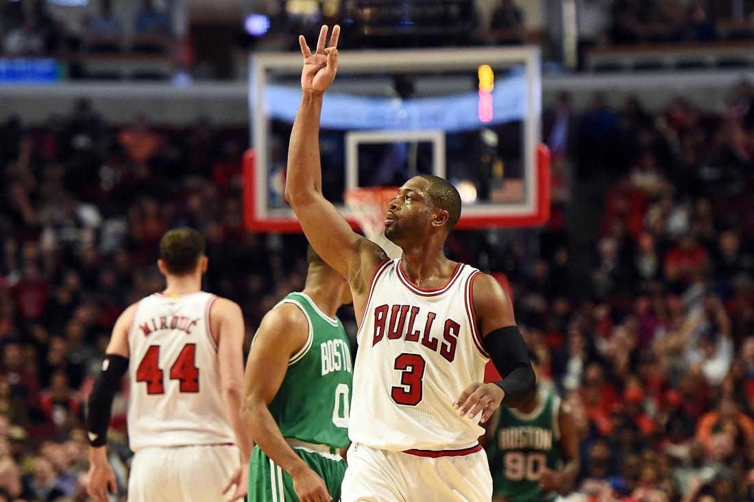 Wade e Mirotic alla prima dei Chicago Bulls contro i Celtics