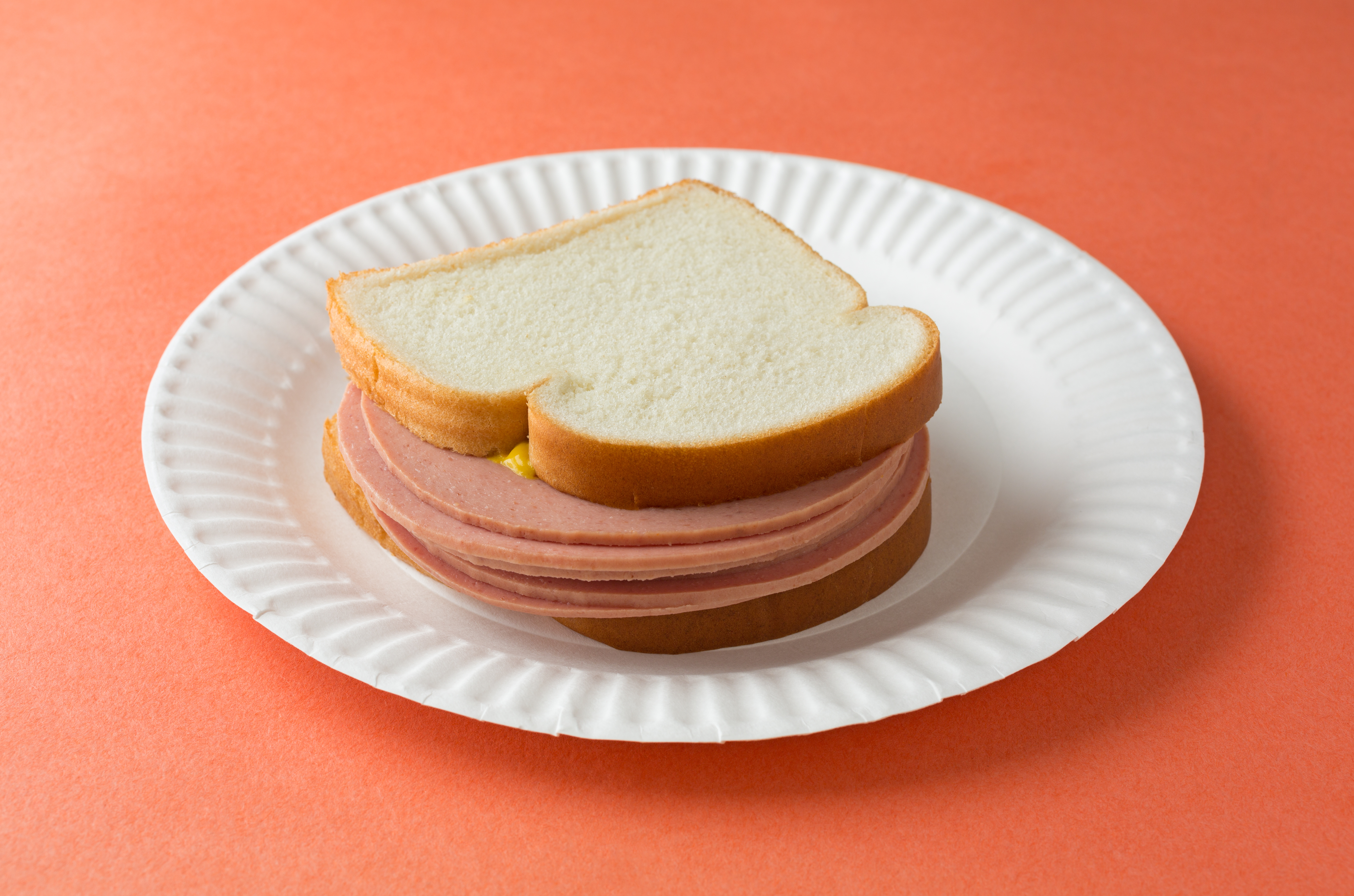 Oscar Mayer Bologna Only 0 08 At Kroger furthermore Salchichas Y Embutidos Oscar Mayer in addition 25 Things You Dont Know About Kaley Cuococbs Big Bang Theory Sweetheart 2012 3 shes A Vegetariansort Of 25 besides Bologna Sandwich Recipe History additionally Botanas Ideales Disfrutar Super Bowl 50. on oscar mayer bacon bologna